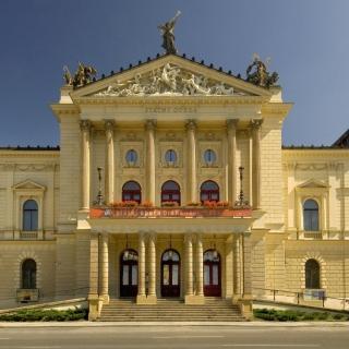 Divadlo a opera