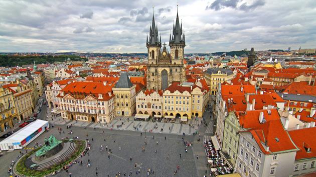 Velká okružní cesta Prahou–Pražský hrad a Karlův most