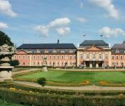 Schloss Dobříš und das Bergbaumuseum Příbram