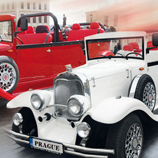 Ausflugsfahrt mit historischem cabriolet nicht nur durch Prag