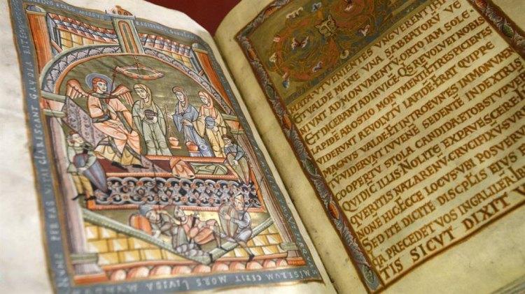 Výstava Středověká kniha na dosah